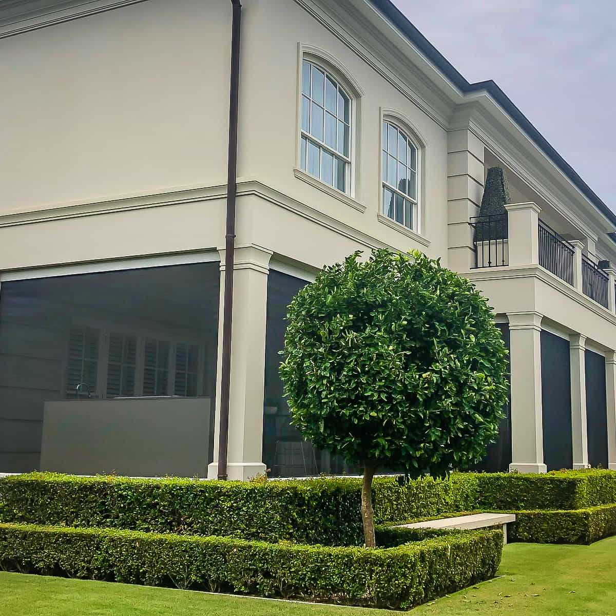 outdoor blinds installed on gold coast home